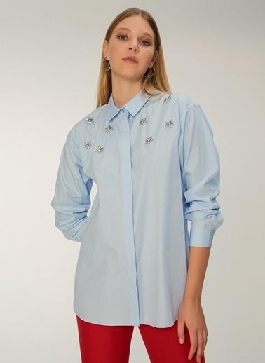 NGSTYLE Taş İşlemeli Poplin Gömlek Mavi